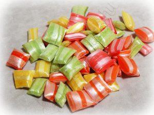 vegyes üveges cukorka