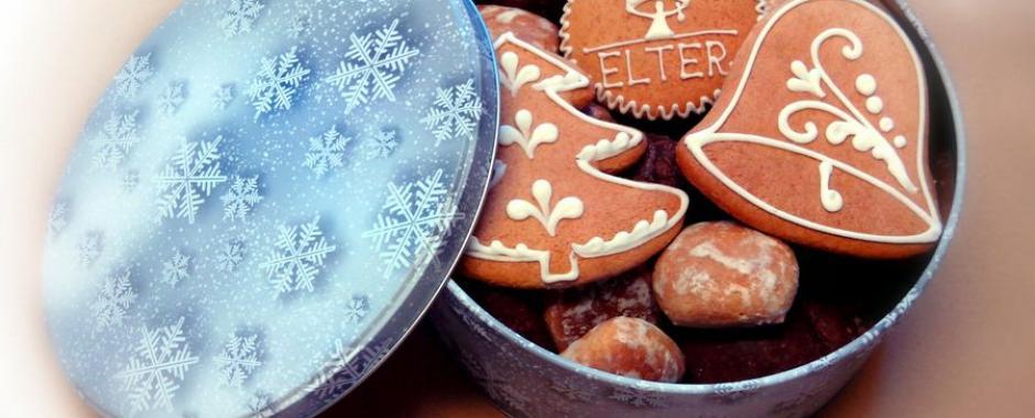 Karácsonyi mézeskalács szett fémdobozban