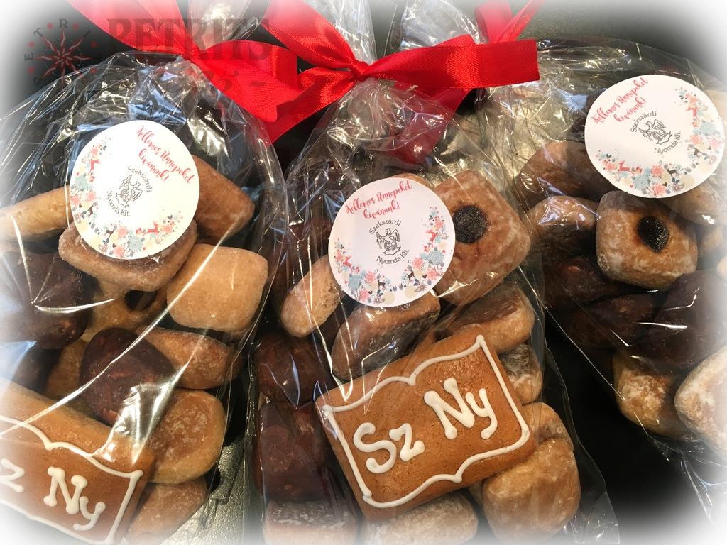 Szekszárdi Nyomda karácsonyi mézes csomag